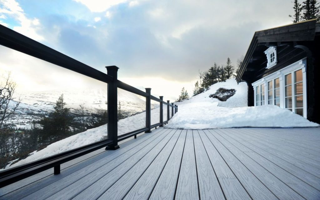 Making the Most of a Composite Deck in the Winter Months